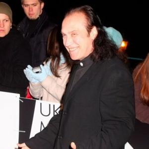 Ray Davies Plans To Reunite The Kinks Without His Brother