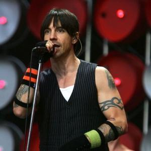 Red Hot Chili Peppers To Rock Emas