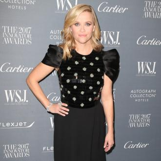 Reese Witherspoon Wants To Take Son To See Dinosaurs