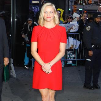 Reese Witherspoon giving away 250 Draper James dresses for teachers