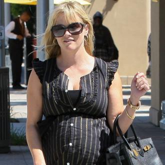 Reese Witherspoon Gives Birth To