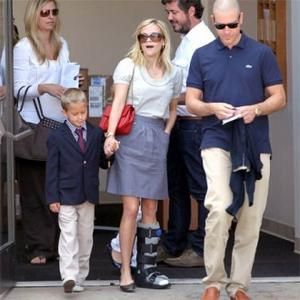 Reese Witherspoon Injures Ankle