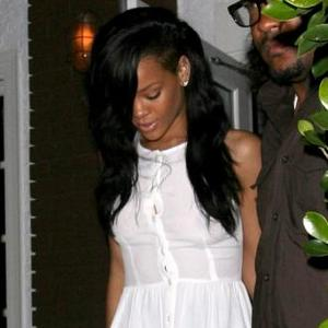 Rihanna House-hunts In The UK