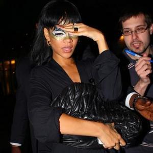 Rihanna Rocks American Idol Finale