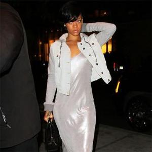 Rihanna Scraps UK Trip