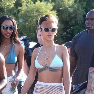 Rihanna sends SZA a Fenty gift card