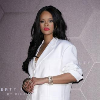 Rihanna shows off new lipstick