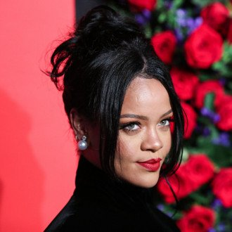 Rihanna to open physical Savage x Fenty stores in 2022?