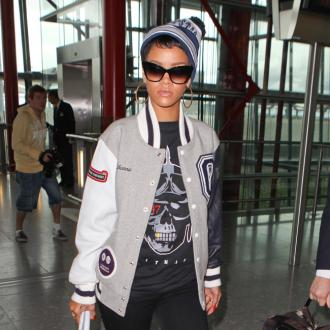 Rihanna To Defend Chris Brown In Court?