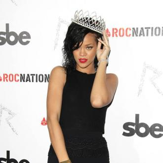 Rihanna Jets Off With Chris Brown