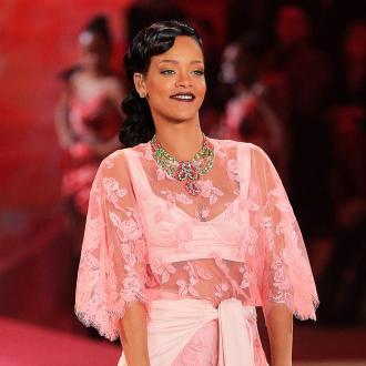 Rihanna Feels Insecure Beside Models