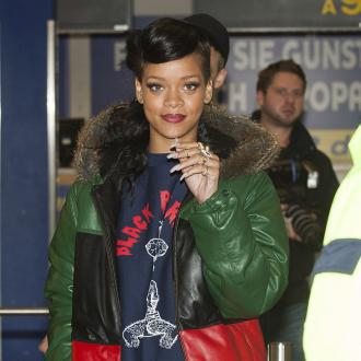 Rihanna Didn't Finish Album Till 13 Days Before Release