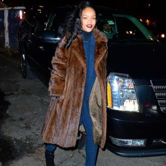 Rihanna Offered Settlement In Accountants Case