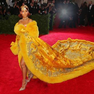 Rihanna's Pals Wary Of Her Boyfriend