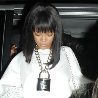 Rihanna And Drake Get Steamy At London Club
