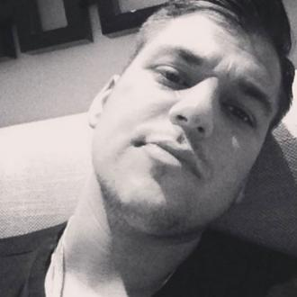 Rob Kardashian shares new selfie