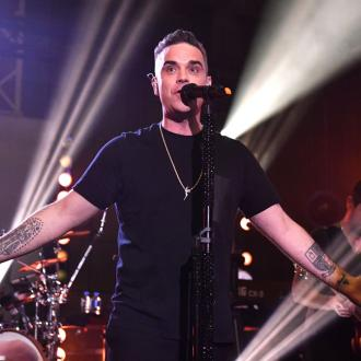 Robbie Williams releases single in French