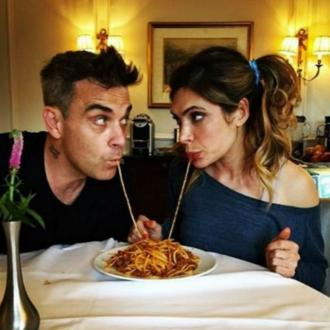 Robbie Williams and Ayda Field recreate Lady and the Tramp scene