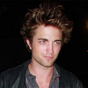 Robert Pattinsonaddress on Robert Pattinson S Torso Trickery   Contactmusic Com