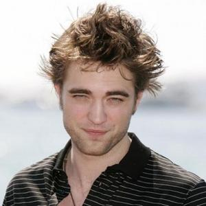 http://images.contactmusic.com/newsimages/robert_pattinson_1133108.jpg
