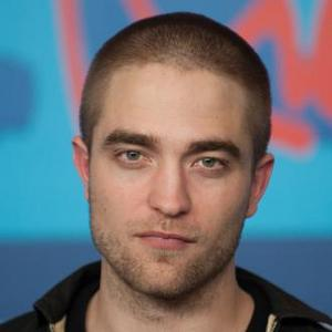 Robert Pattinson's Kissing Skills Praised