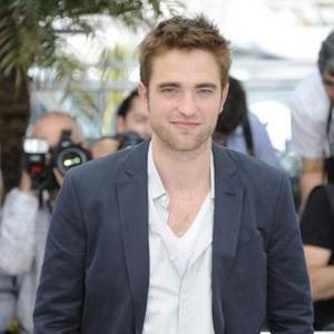 Robert Pattinson Gets Fashion Advice From Gucci