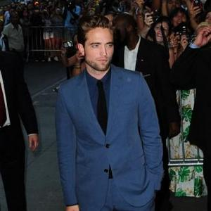 Robert Pattinson Not Ready To Date