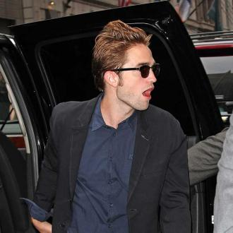 Robert Pattinsonaddress on Robert Pattinson   Robert Pattinson Gives Kristen  One Month Trial