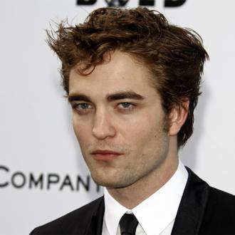 Robert Pattinson Finding It Difficult To Trust Kristen