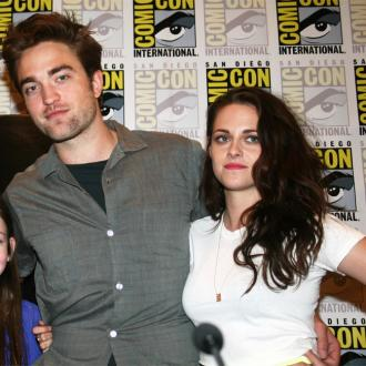 Kristen Stewart Supported By Twilight Costars