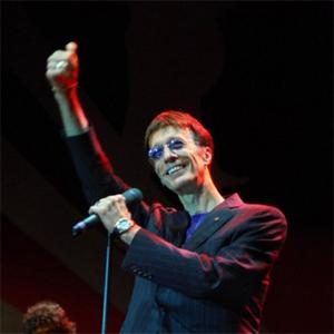 Robin Gibb Vows To Continue Charity Work