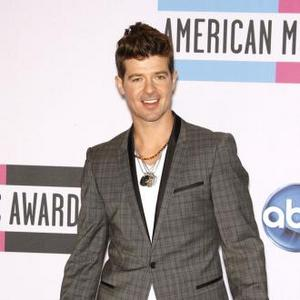 Robin Thicke In Car Crash