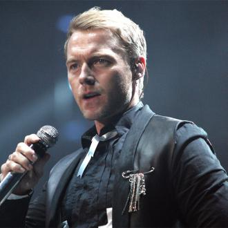 Boyzone chat to Stephen Gately before each gig