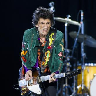 Ronnie Wood returns to stage after cancer battle