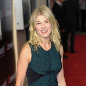 Rosamund Pike praises 'supportive' Pegg
