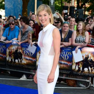 Rosamund Pike And David Tennant Bonded At Theme Park