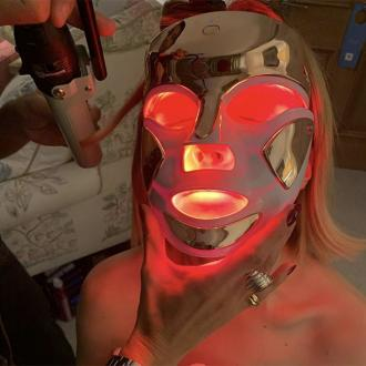 Rose Byrne's LED light therapy mask
