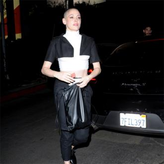 Rose McGowan arrest warrant issued