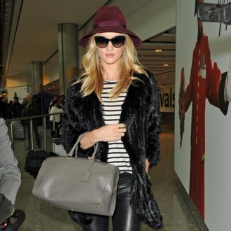 Rosie Huntington-whiteley Reveals Airport Style Secret