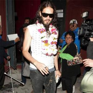 Russell Brand's New Girlfriend Says He's 'Amazing'