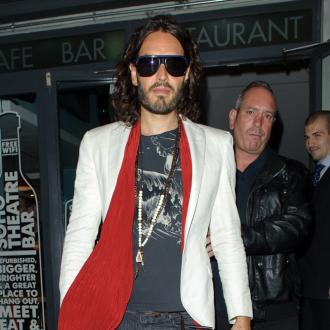 Russell Brand Loves Lazy Days With His Cat