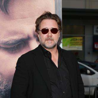 Russell Crowe is in a band with 1D genius Carl Falk
