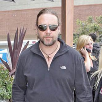 Russell Crowe Splits From Danielle Spencer