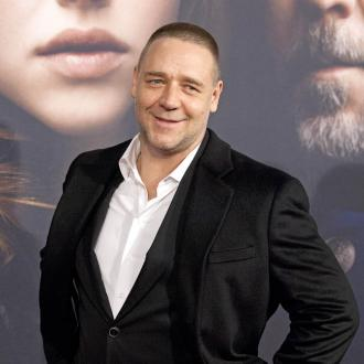 Russell Crowe Bothered By Birds