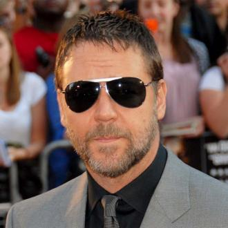 Russell Crowe Involved In Truck Crash