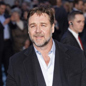 Russell Crowe Talks 'Noah' With U.k. Church Leader