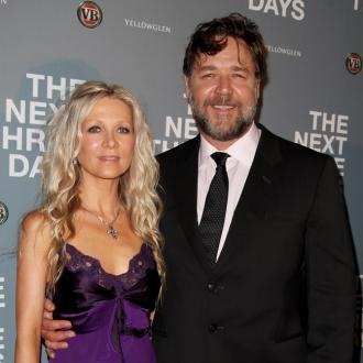 Russell Crowe's Family Dinner With Ex
