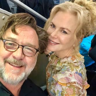 Russell Crowe shares flight with Nicole Kidman