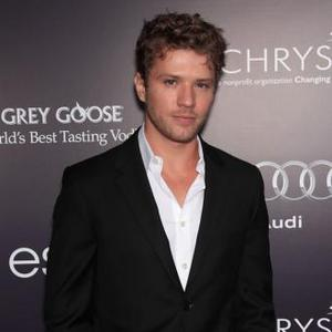 Ryan Phillippe Selling Hollywood Home