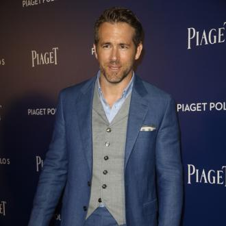 Ryan Reynolds: 'Andrew Garfield is a great kisser'